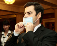 «Фигаро» в масках